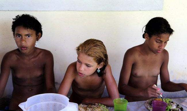 Young nudists photos